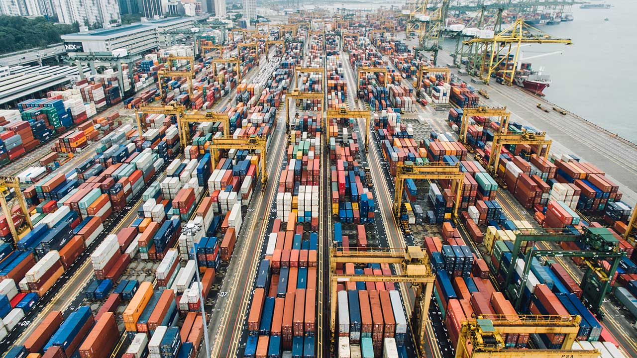 What IsFreight Management Logistics? [And How Does It Impact Your Business?]