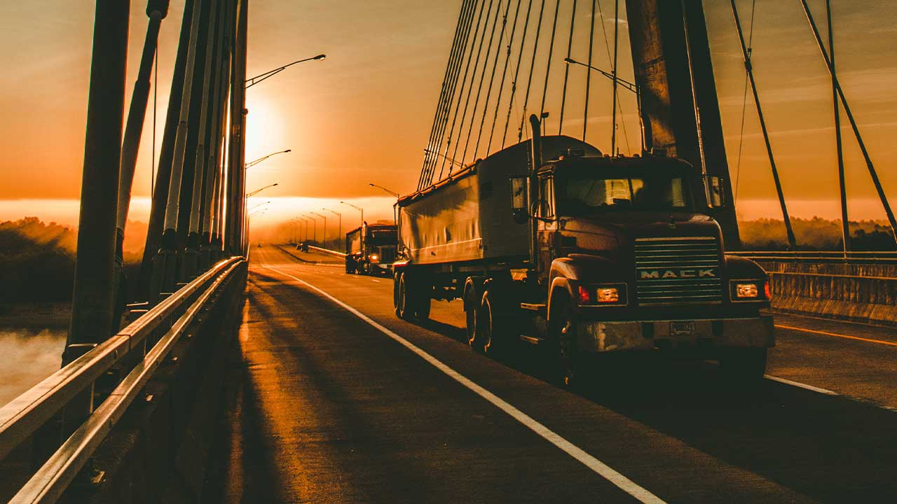 Freight Forwarder vs Broker [What's The Difference?]