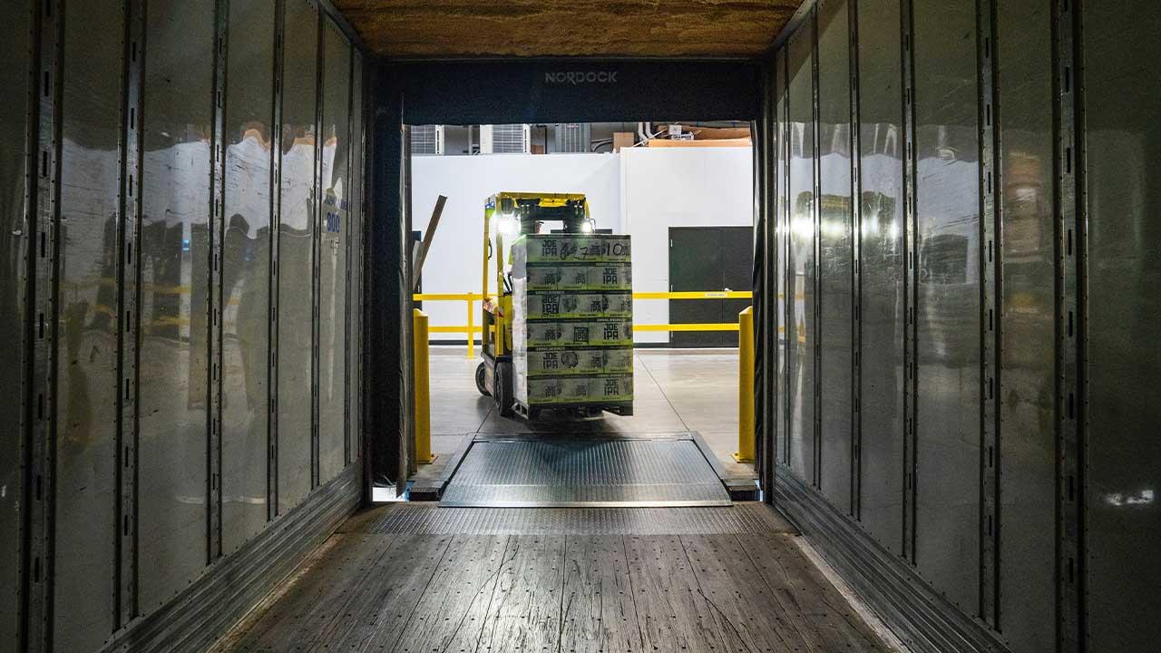 LTL vs TL [The Benefits Of Truckload Management]
